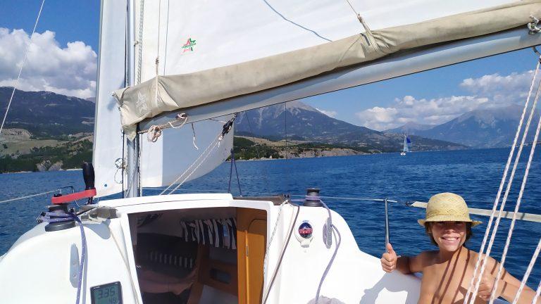 Heureux à bord du voilier